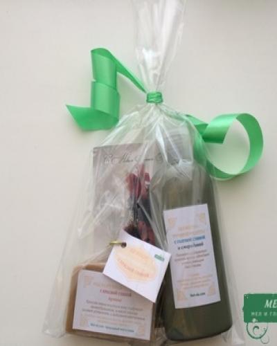 Подарочный набор №1 (Мыло с красной глиной и пряностями + шампунь с голубой глиной и смородиной)